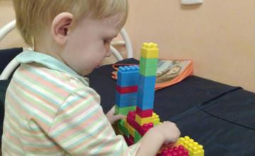Больничная мама научила Виталика говорить первые слова