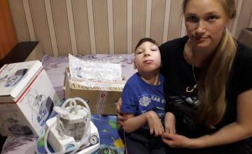 Кириллу доставили посылку с чудом