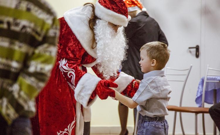 12 лет чудес для детей: От исполнения новогодних желаний до собственных служб помощи детям