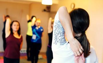 Неделя чудесной йоги ради помощи выпускникам интернатов. Присоединяйтесь!
