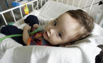 Болезнь «арестовала» двухлетнего Лёву