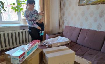 Первые чудеса приехали к Артёму в коробках