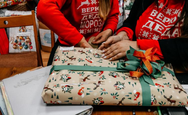 Как пермские Деды Морозы и Снегурочки исполнили более 200 детских желаний под Новый год