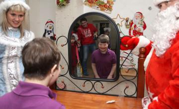 Просят ли ребята из детдомов у Деда Мороза «обувь от Gucci»? И другие ответы на популярные вопросы о новогодней затее