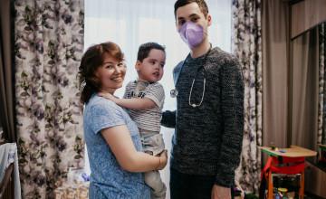 Мужчины, которые защищают детей от боли