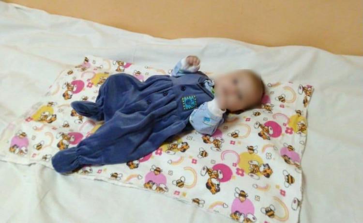Двухмесячную девочку привезли ночью в больницу. Благодаря вам рядом с ней была больничная мама