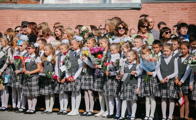 Пермские родители и учителя откажутся от лишних цветов ради спасения детей