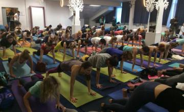Программа йога-марафона «ДЫШАТЬ» в пользу детей, которым требуется кислородная поддержка