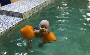 Супергерой научился плавать