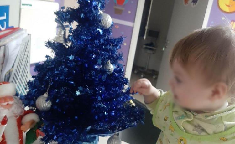 У заботы нет выходных: как больничная мама встретила Новый год с маленькой подопечной
