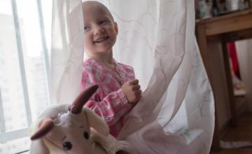 Неизвестный перечислил в фонд «Дедморозим» почти миллион рублей, чтобы спасти 3-летнюю девочку