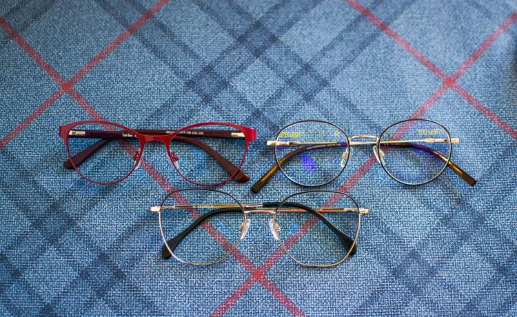 Чудеса повышенной чёткости: «Точка Зрения» и Essilor подарили очки воспитанницам социального центра
