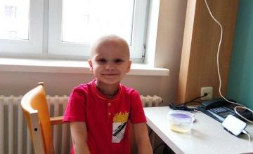 В борьбе с лейкозом Артёму помогла его мама