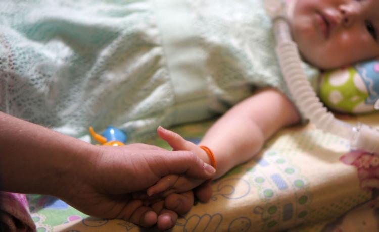 Больше жизни в день рождения! Помогите детям кушать и жить без боли