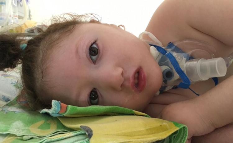 Девочке-лучику из Соликамска нужна помощь, чтобы дышать