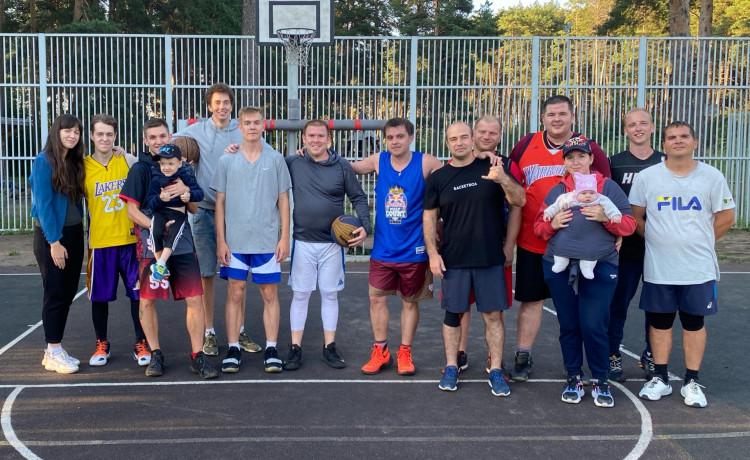 Сапы, баскетбол и йога: как чудо-спринтеры возвращают будущее сиротам с инвалидностью