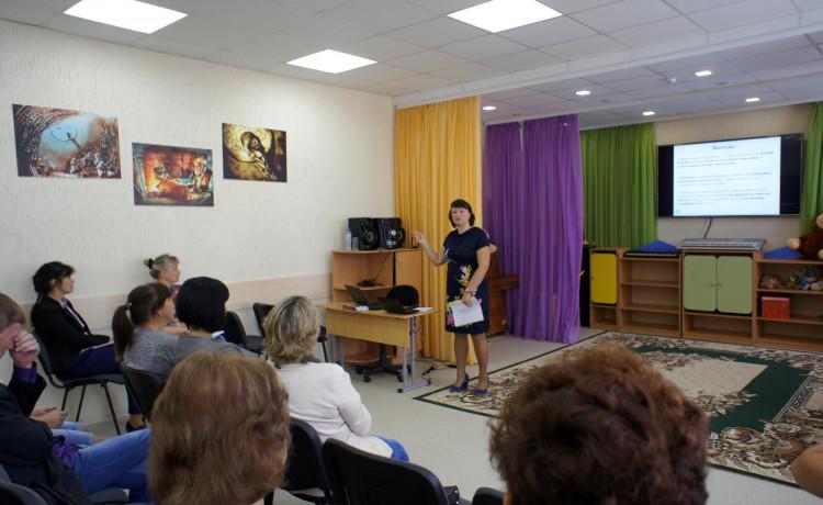 Лариса Капустянская: «в детских домах-интернатах может быть как дома»