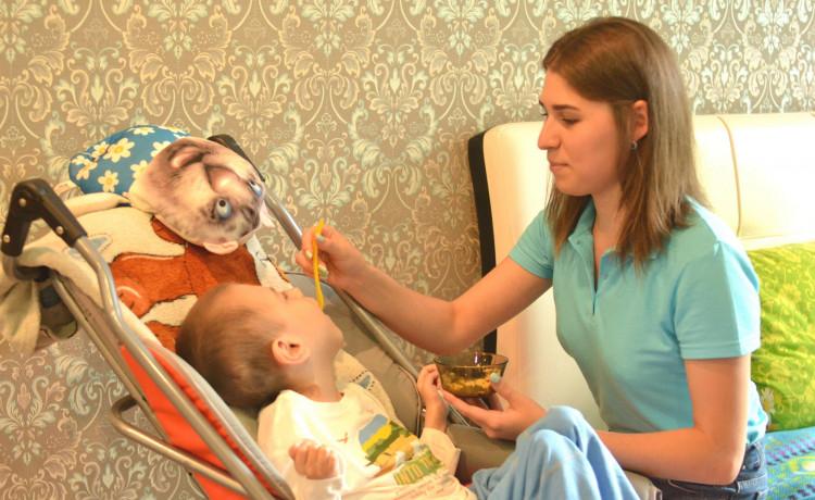 Тяжелобольные дети из Перми получат более 30 тысяч часов заботы от профессиональных нянь