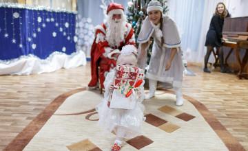 Каждый может стать Дедом Морозом для сирот и тяжелобольных ребят