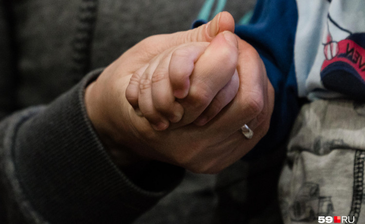 «Может быть, её заберет отец?» История о том, как Елена сохранила семью
