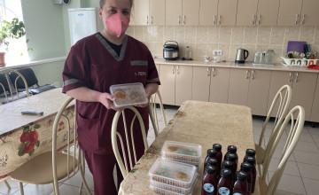 Как пермяки помогли приготовить 2400 горячих обедов для врачей скорой помощи