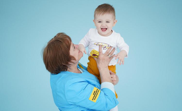 Заботиться о детях в больницах можно всем коллективом