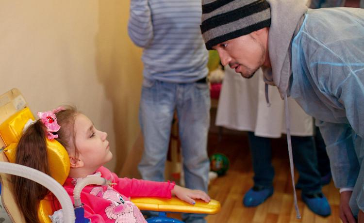 Кто дарит детям больше жизни?