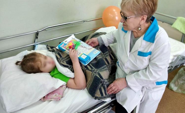 Кто заботится о ребёнке из детского дома после операции?